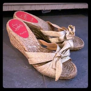 Christian louboutin sandals size 40